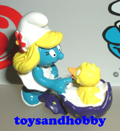 20513 - Smurfette with baby chick